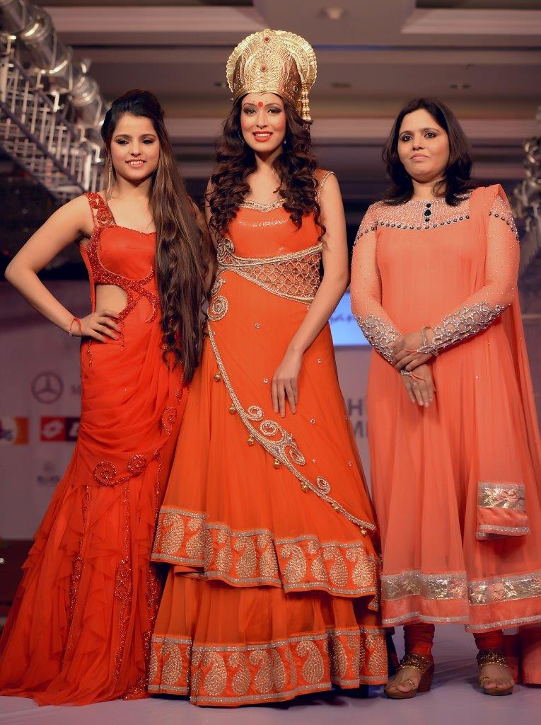 Sanna Chandana (Youngest Designer) with her collection