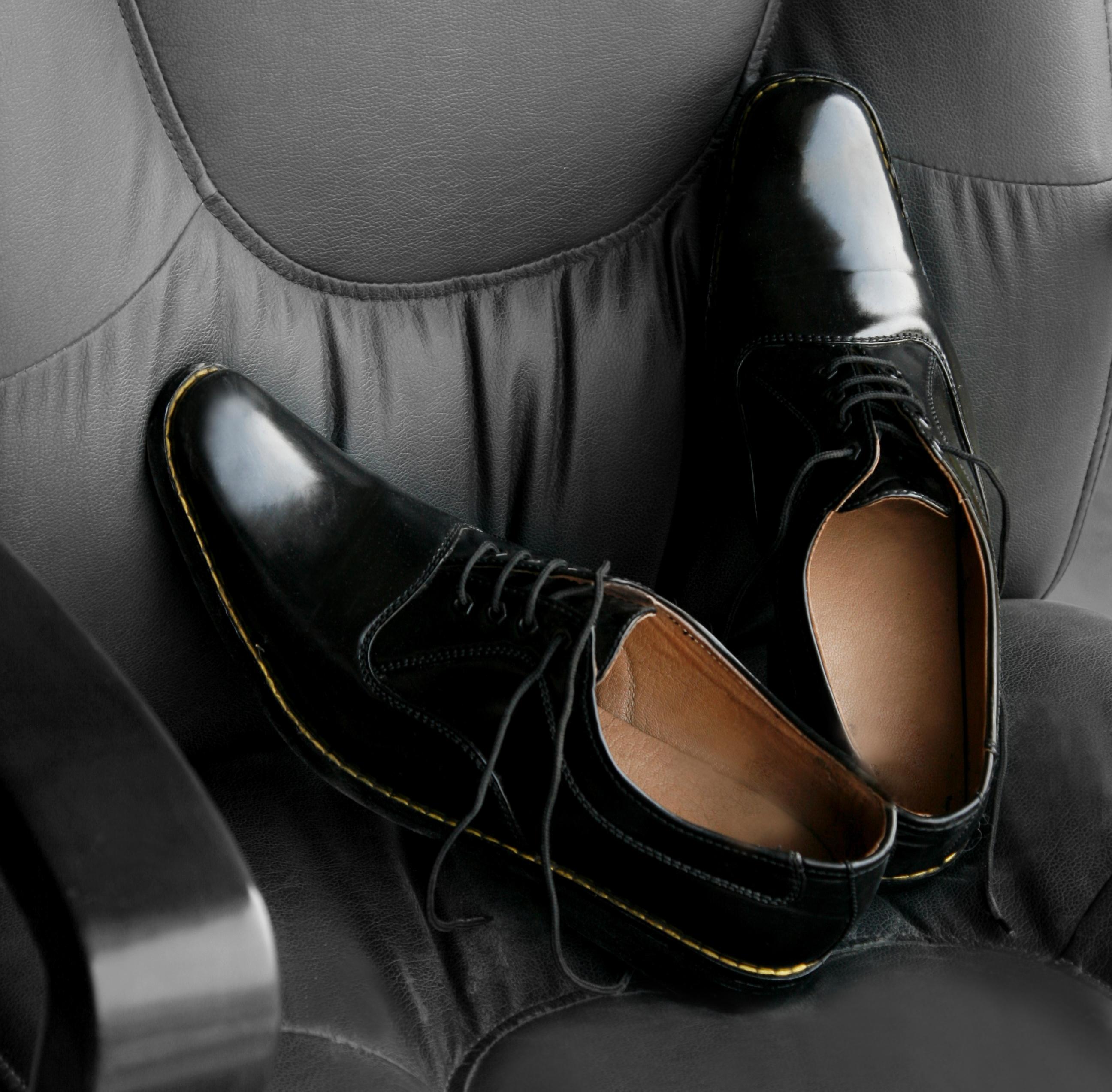 SWATI MODO - The Perfect Black Oxford Pair