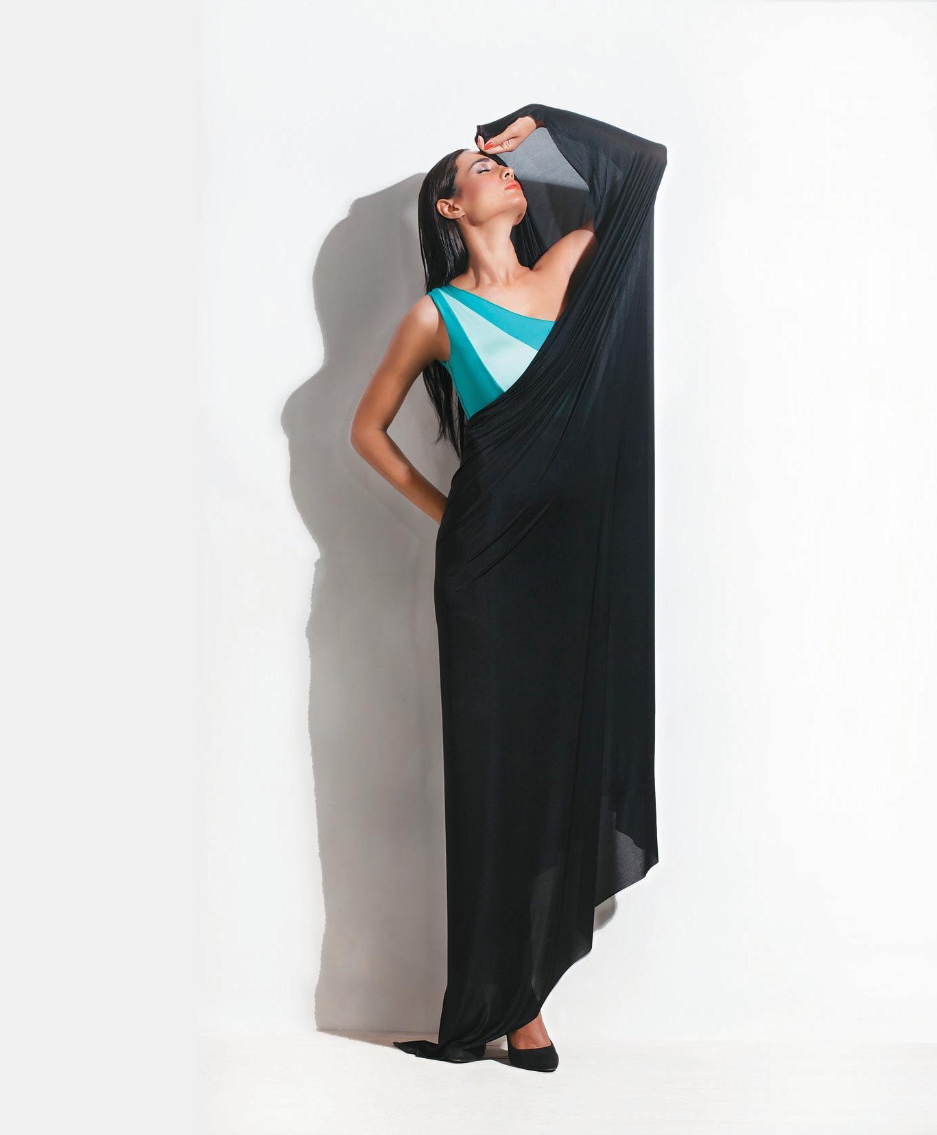 Shivan & Narresh Sari Bikini Zip