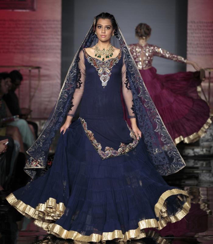 The Splendid Indian Closet Fashion Tour 2014 – Suneet Varma – Image by Gustavo Villar