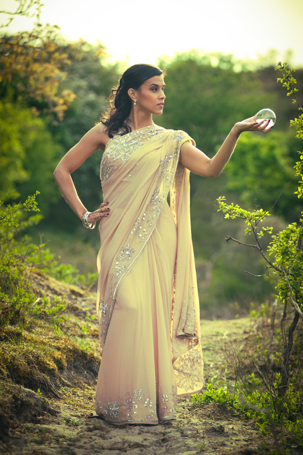 Model: Soraya, Photograpy: Patrick den Drijver, Dress/Saree by Inanna, Henna: Halima's Henna, MUAH: Almira's Beautique.