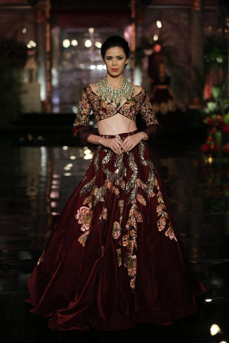 FDCI India Couture Week 2016 - Manish Malhotra \'The Persian Story ...