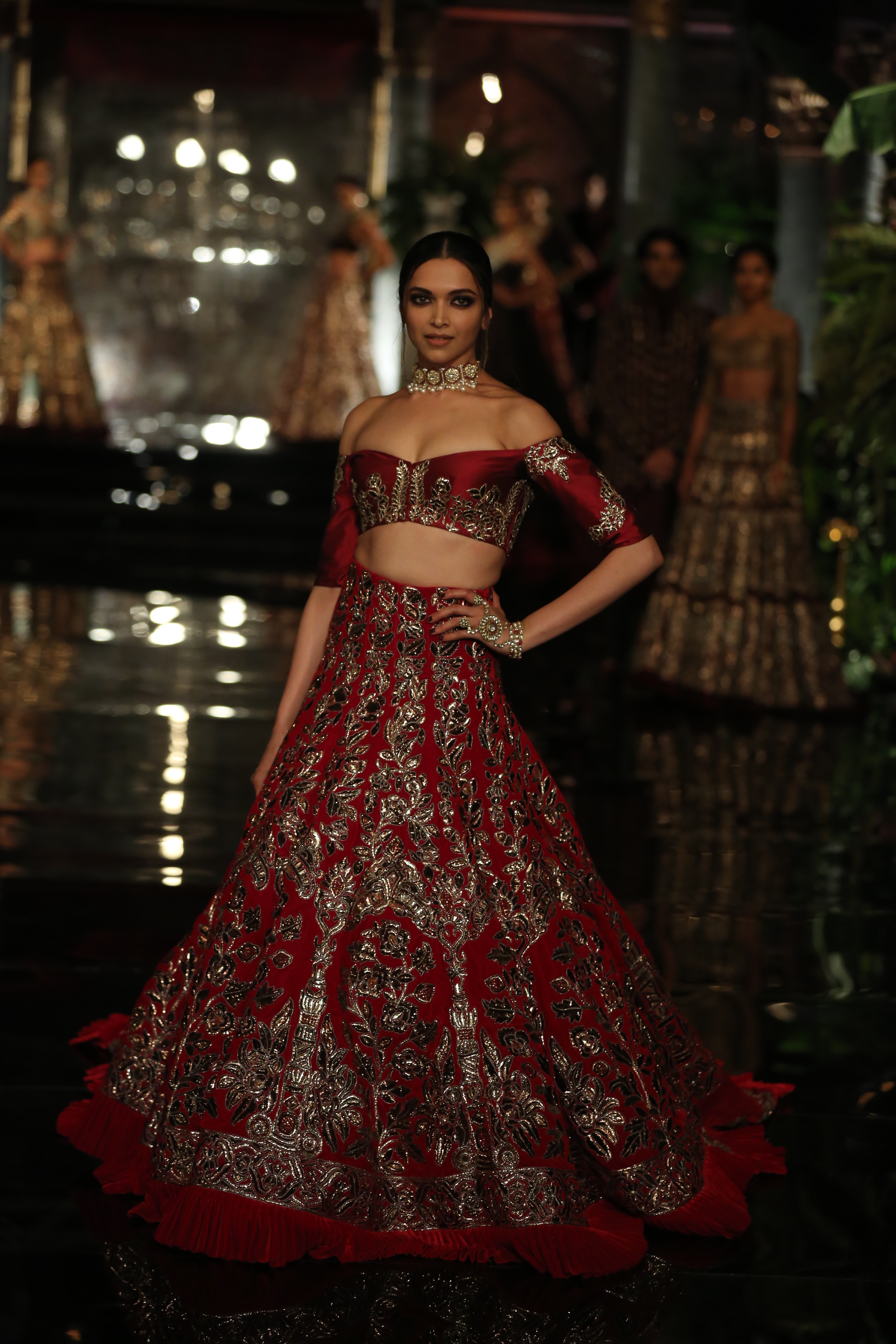 FDCI India Couture Week 2016 - Manish Malhotra 'The Persian Story' worn by Deepika Padukone