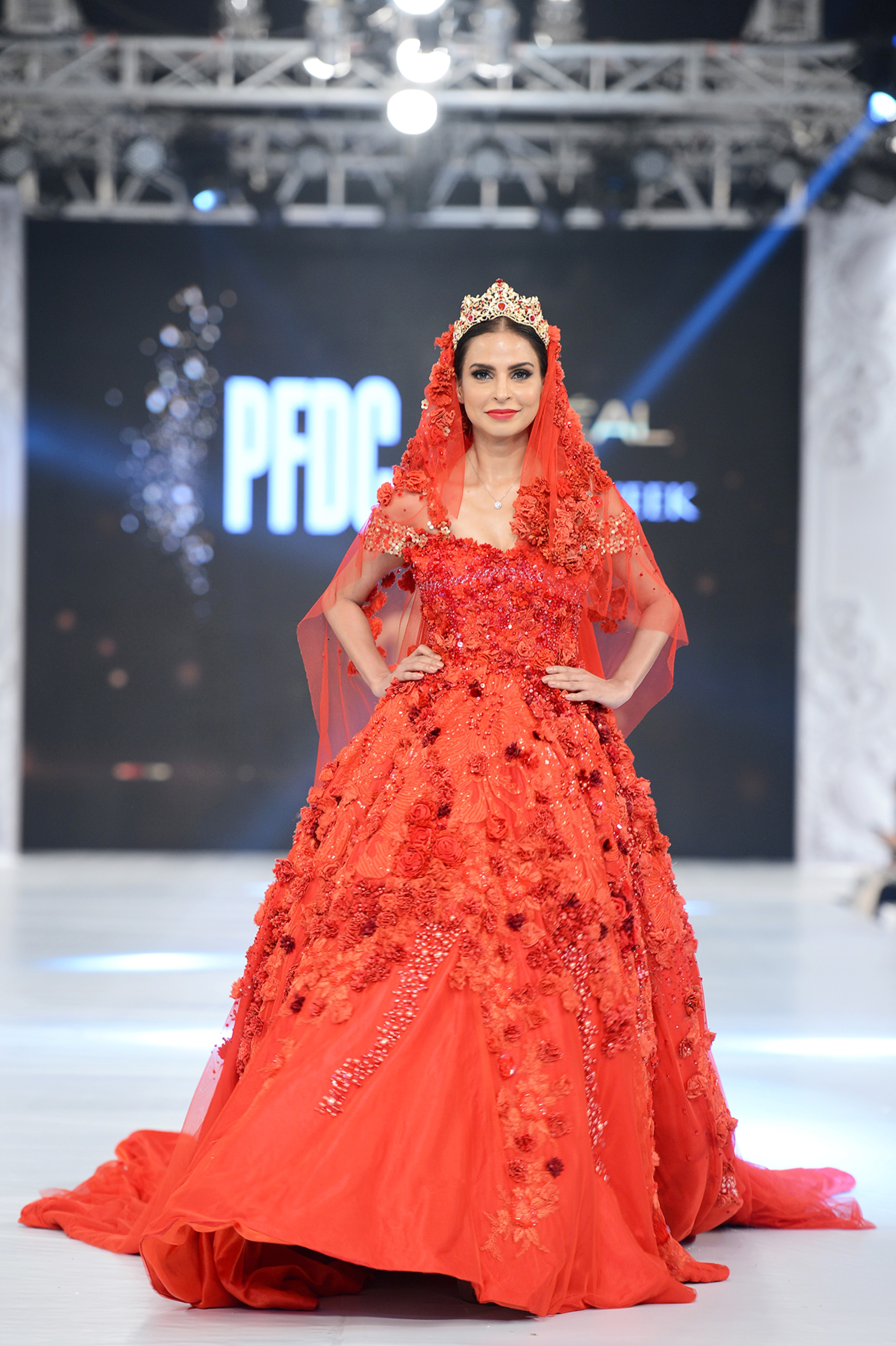 Aamina Naeem – PFDC L'Oréal Paris Bridal Week – Photography by Faisal Farooqui, Dragonfly
