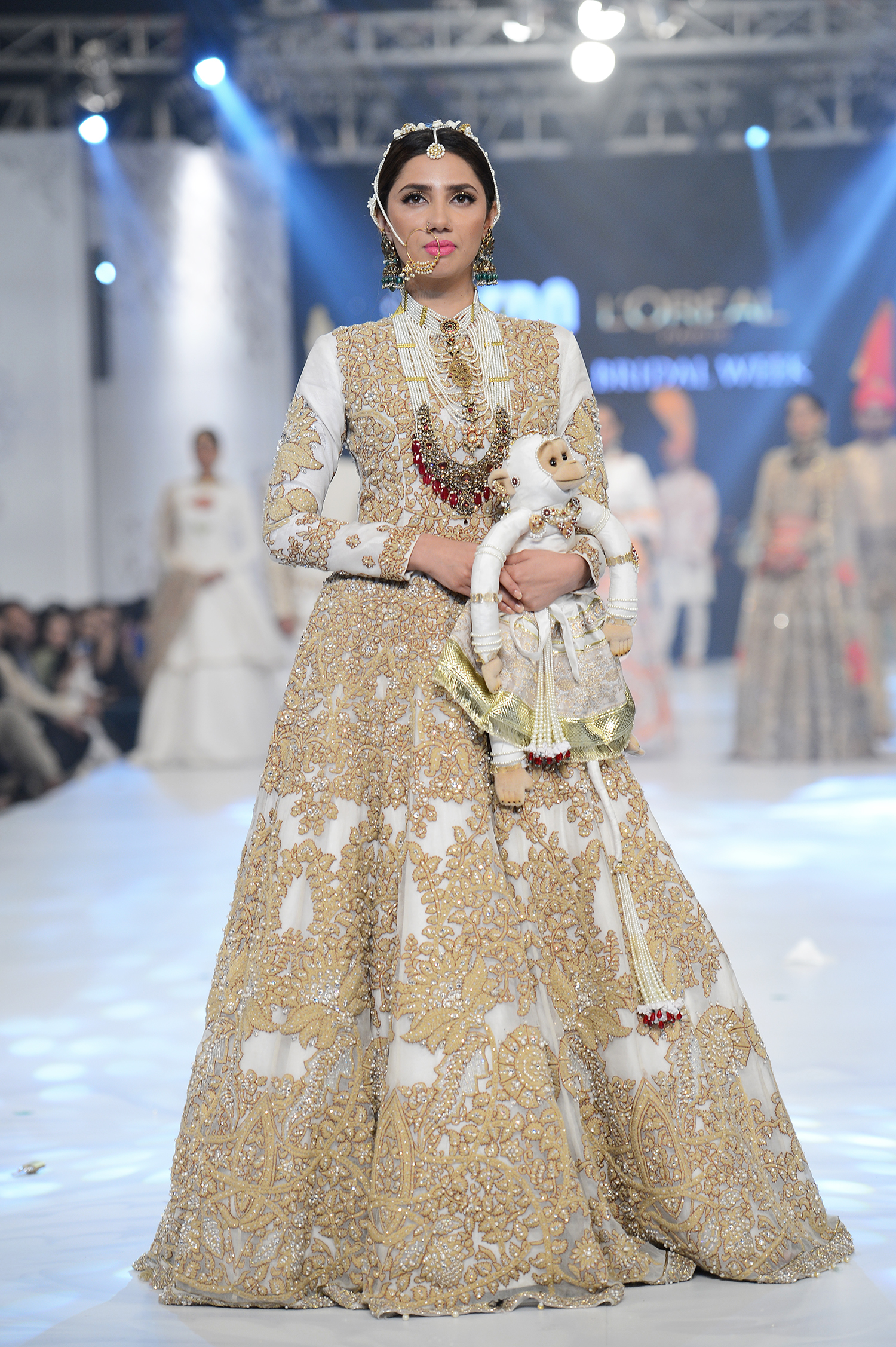 Ali Xeeshan - PFDC L'Oréal Paris Bridal Week - Photography by Faisal Farooqui, Dragonfly
