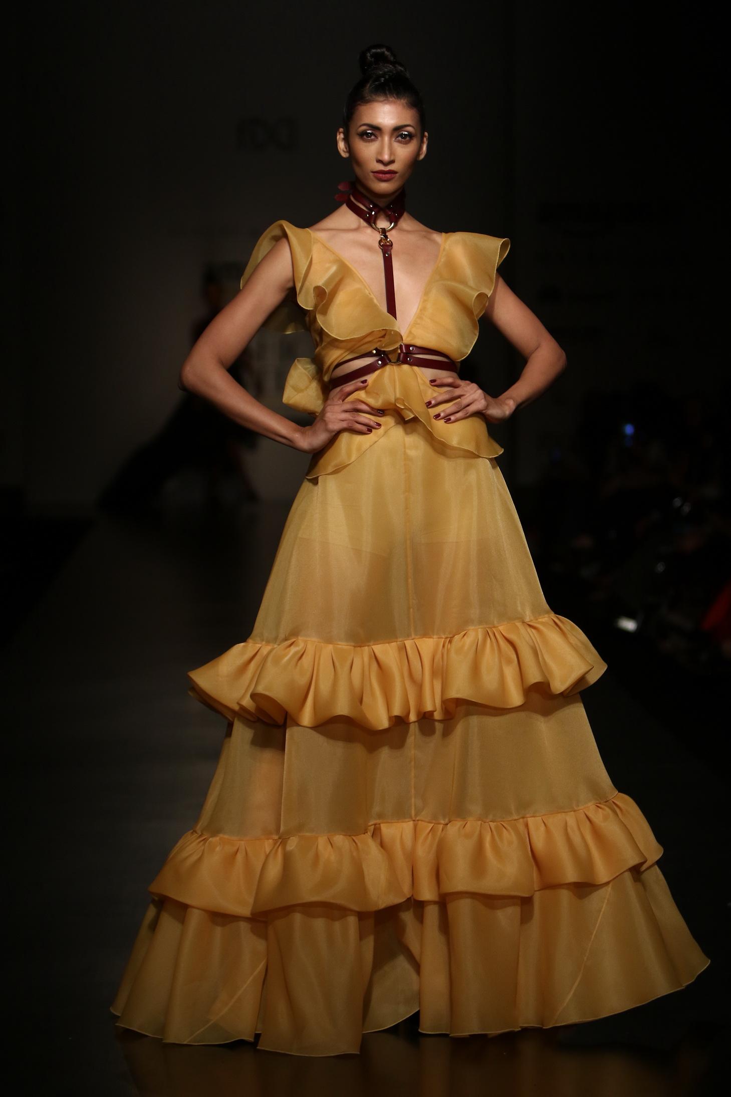 Gauri & Nainika - Amazon India Fashion Week SS17