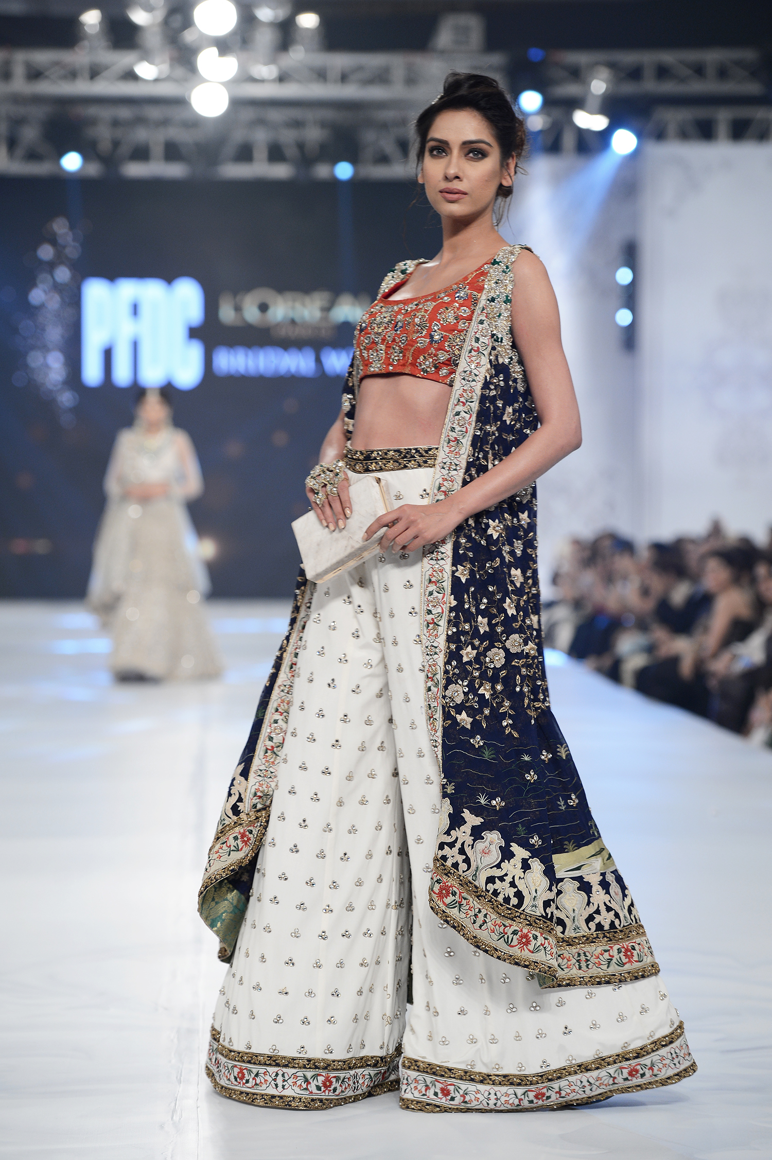 Mahgul - PFDC L'Oréal Paris Bridal Week - Photography by Faisal Farooqui, Dragonfly