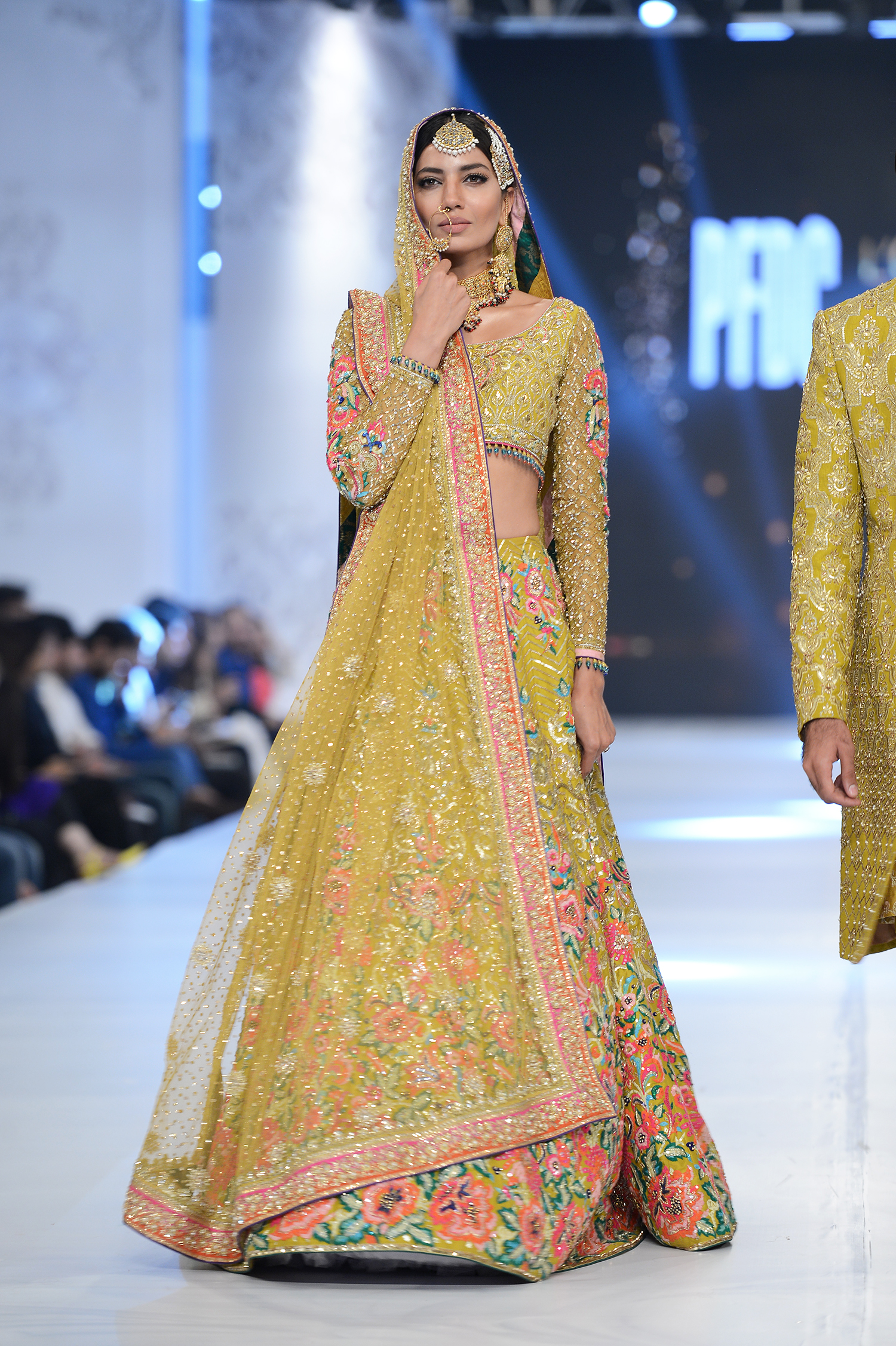 Nomi Ansari - PFDC L'Oréal Paris Bridal Week - Photography by Faisal Farooqui, Dragonfly