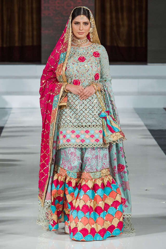 Pehnavni by Nazis Kidwai - Pakistan Fashion Week London - Photography Shahid Malik