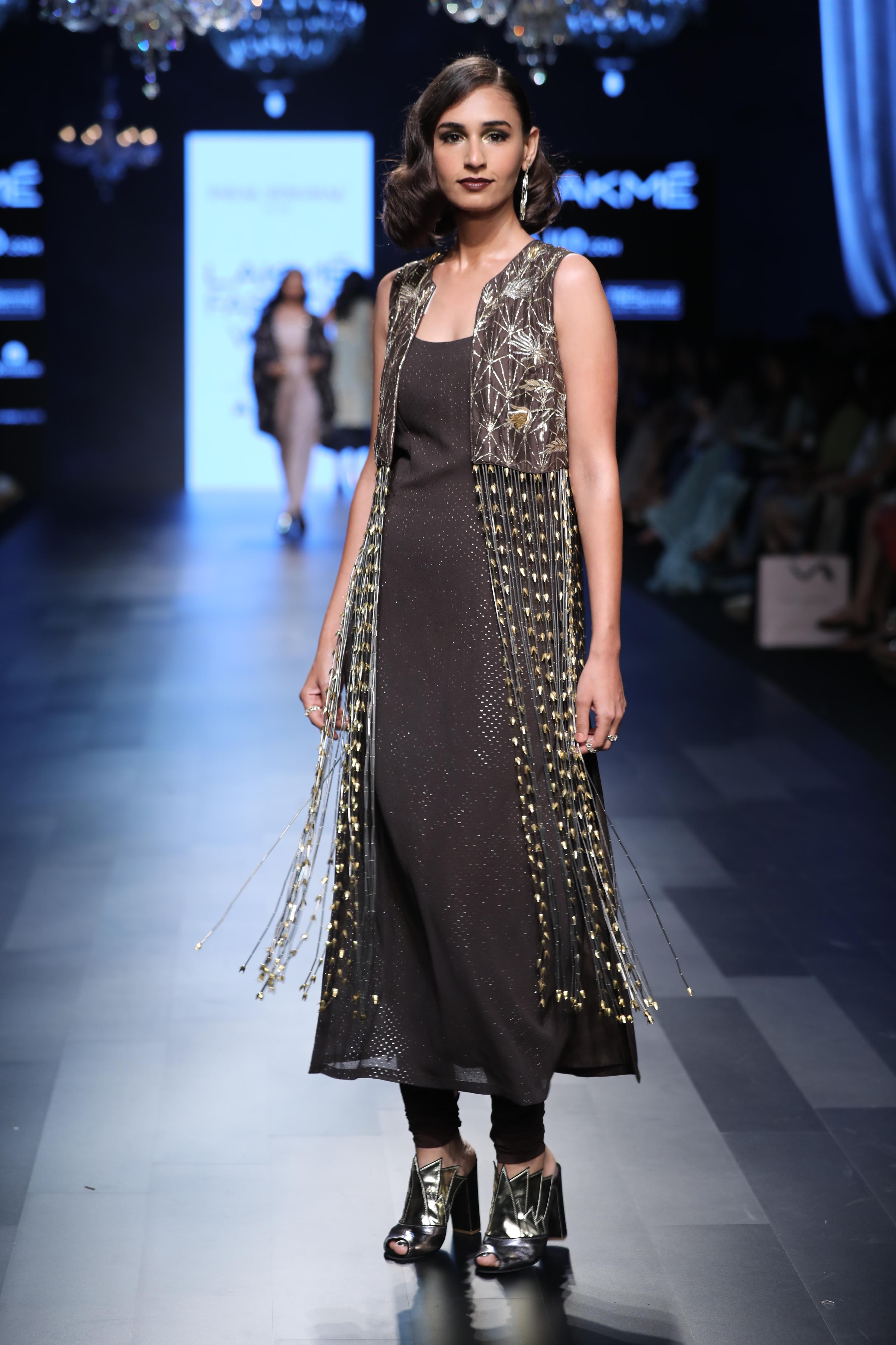 Payal Singhal Lady M - Jewellery by: Isharya - Show Styled by: Nidhi Jacob - Lakmé Fashion Week Summer/Resort 2017