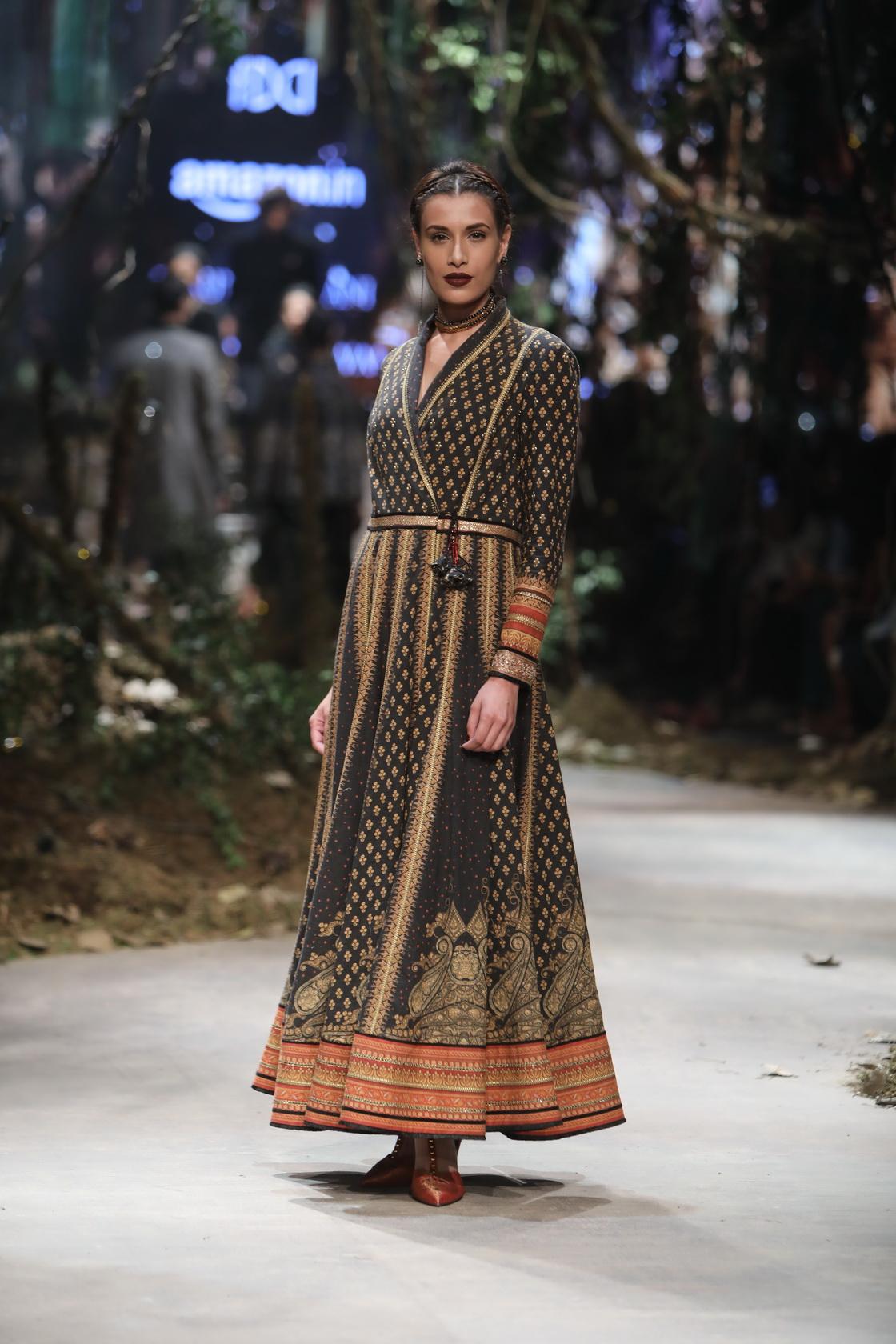 Tarun Tahiliani - Amazon India Fashion Week AW17