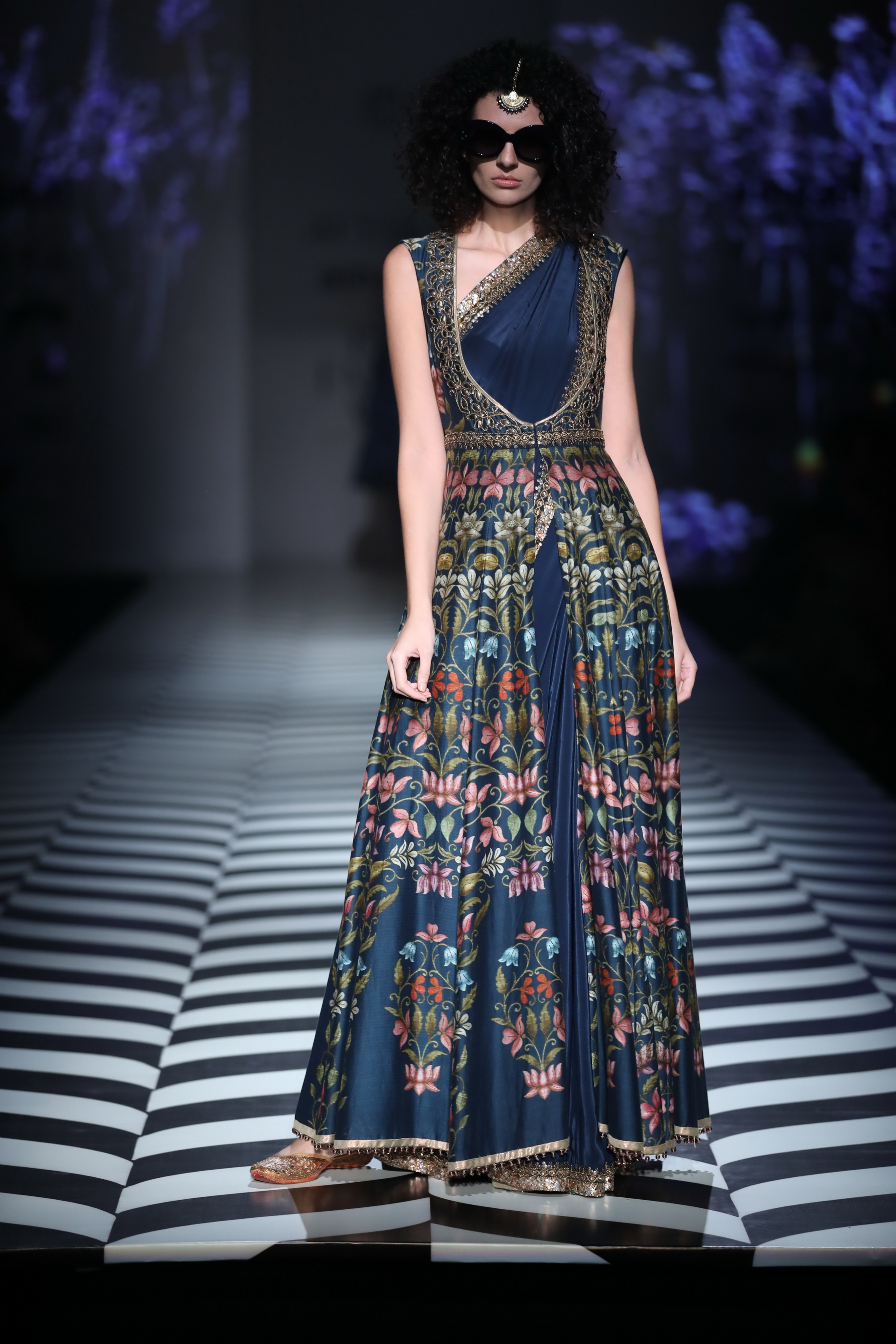 J J Valaya - Amazon India Fashion Week Spring Summer 2018 - FDCI