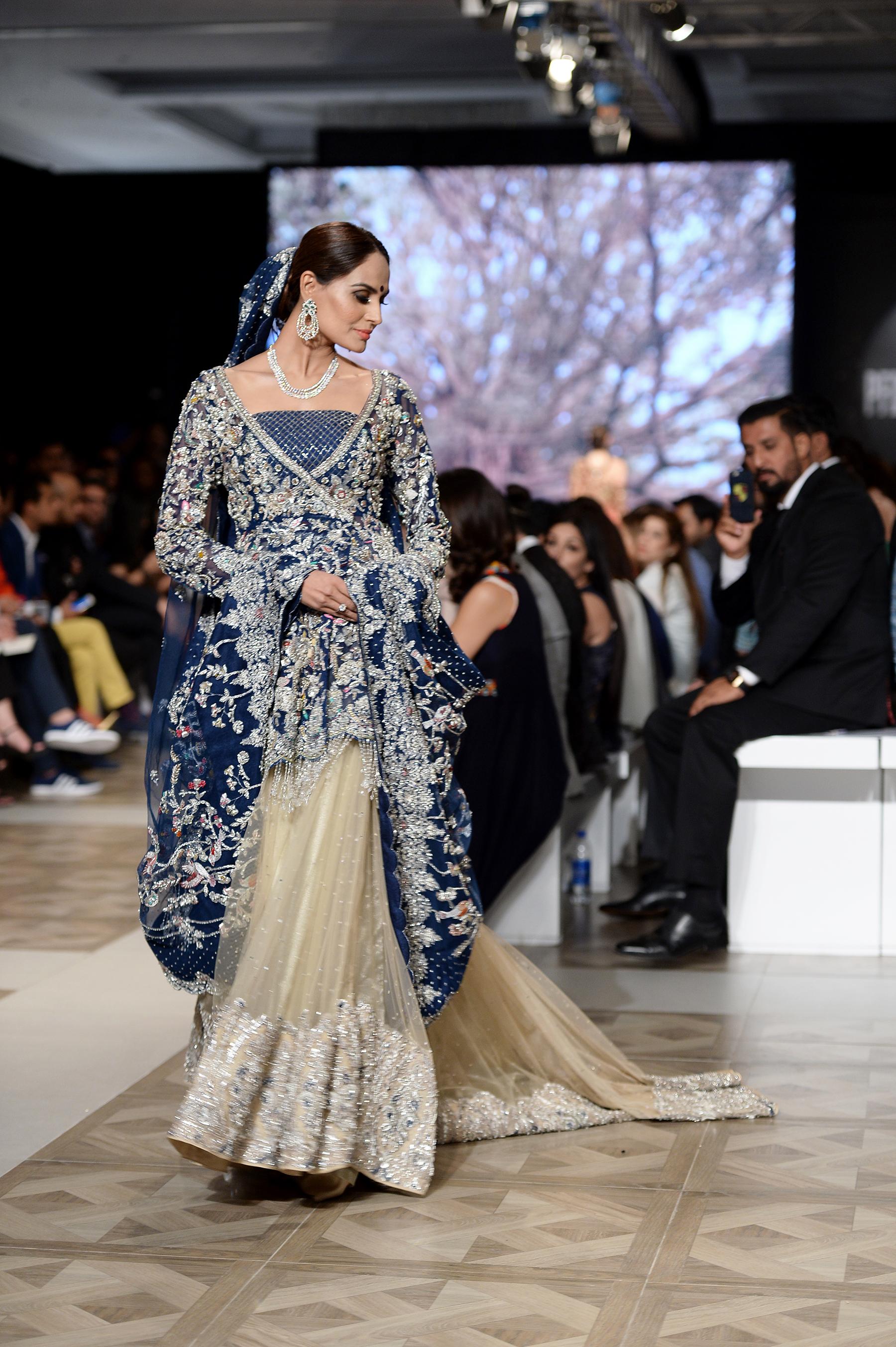 Shamsha Hashwani - PFDC L'Oréal Paris Bridal Week 2017 - Photography by Faisal Farooqui and his team at DragonFly