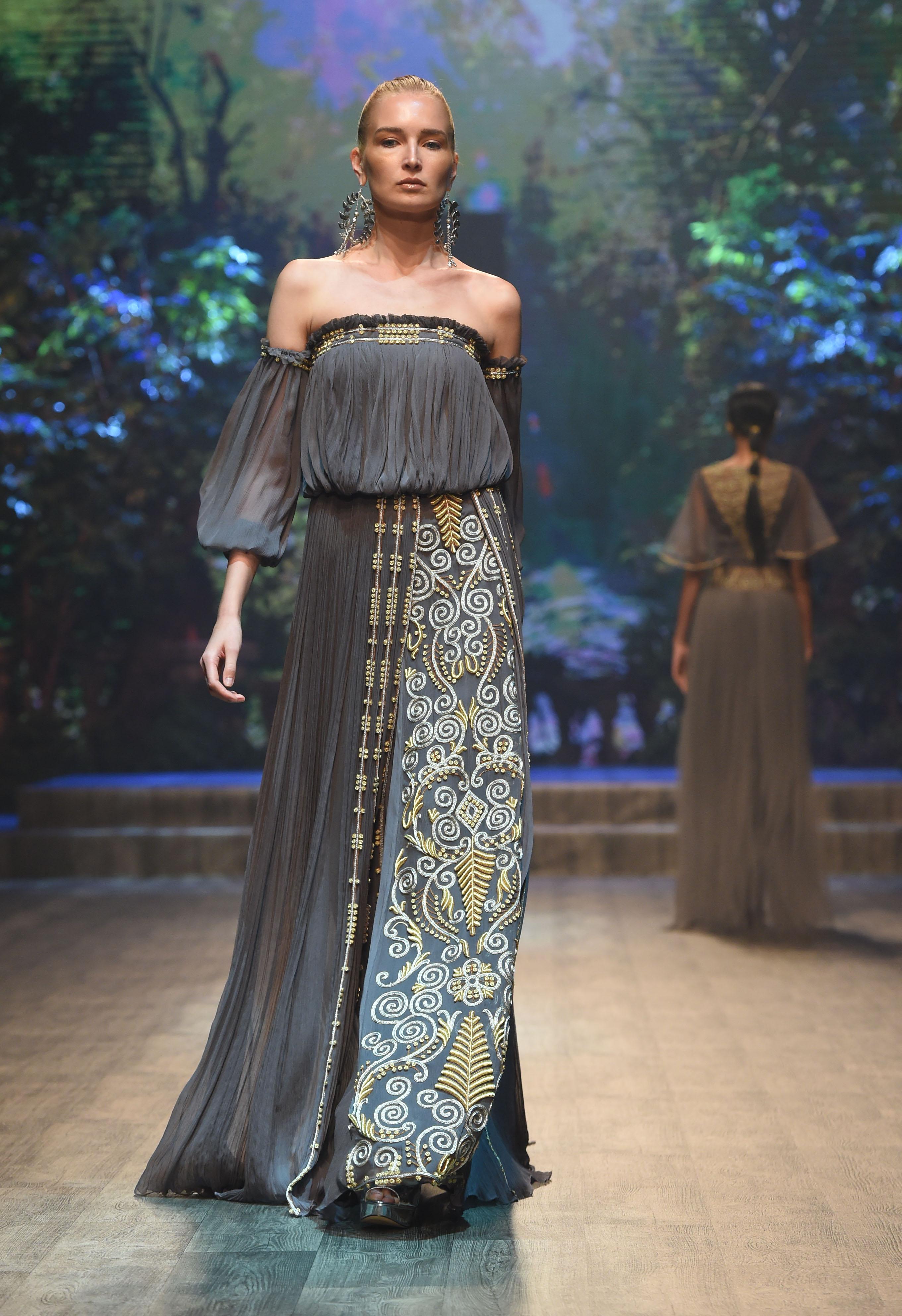 Zareena - Fashion Forward Dubai Season 10, October 2017 - Photography by Stuart C. Wilson, Getty Images