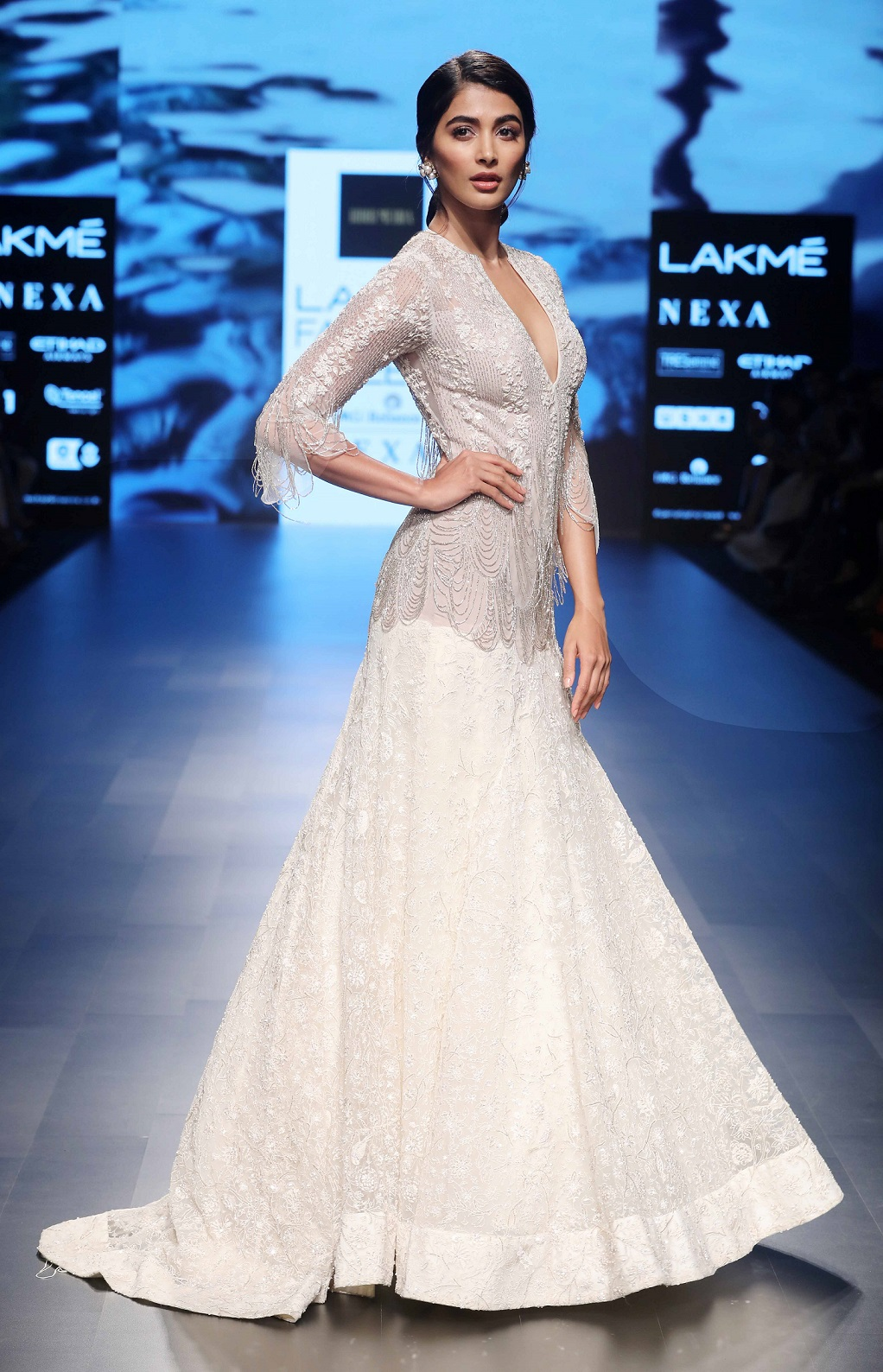 Showstopper Pooja Hegde walks for Ridhi Mehra's Cinco collection at Lakme Fashion Week Summer Resort 2018