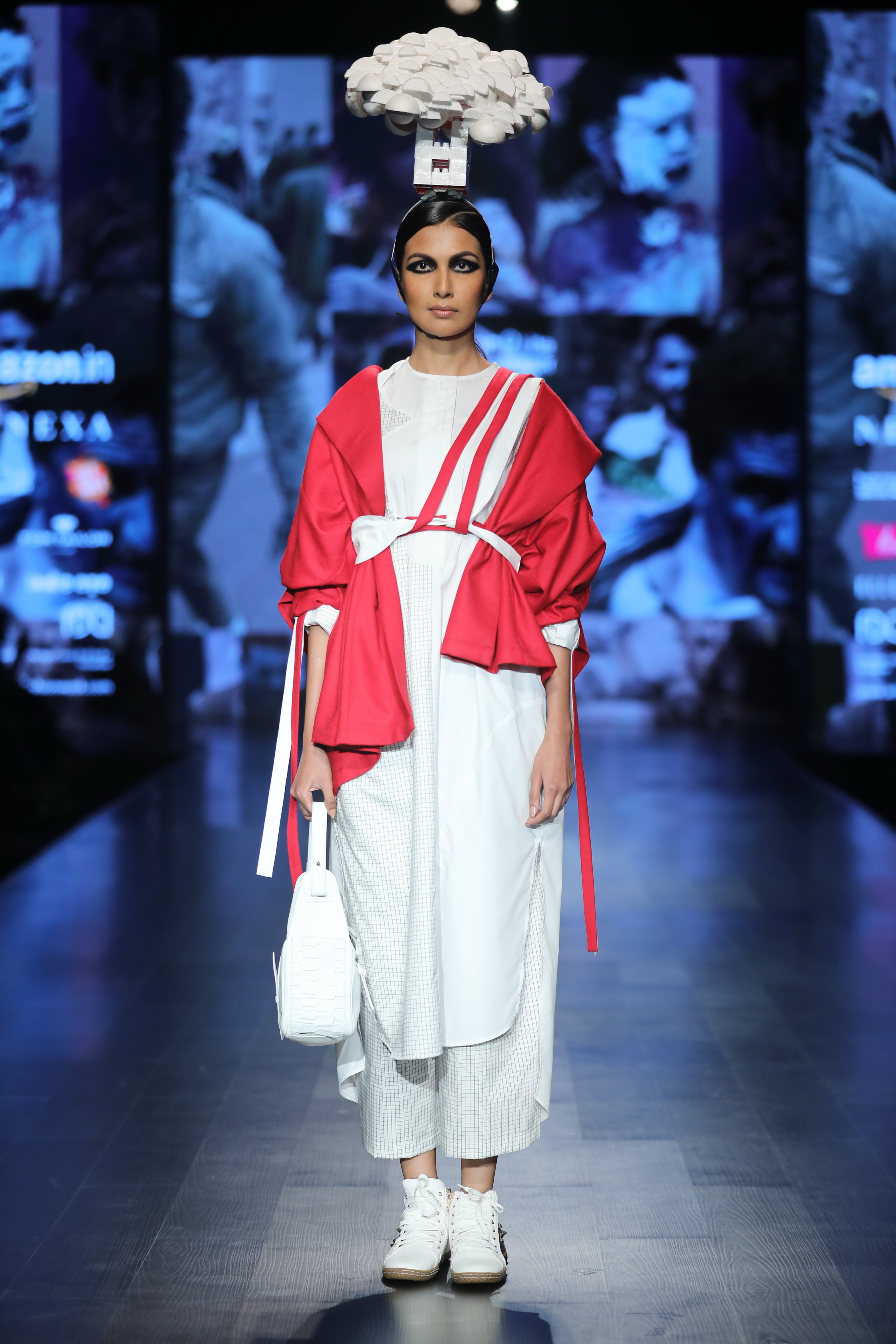 Honor 9 Lite Presents Nitin Bal Chauhan at FDCI Amazon India Fashion Week Autumn Winter 2018