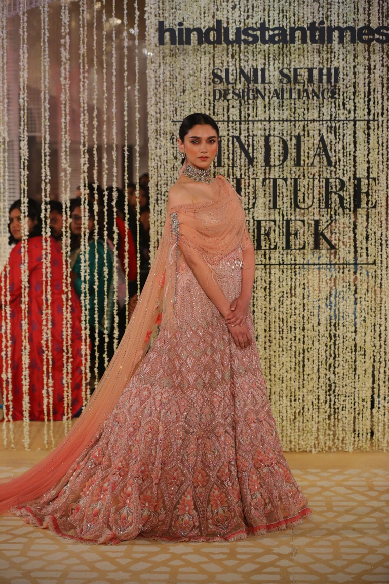 In Elysium An ethereal Lightness of Being by Tarun Tahiliani at FDCI India Couture Week 2018 worn by Aditi Rao Hydari
