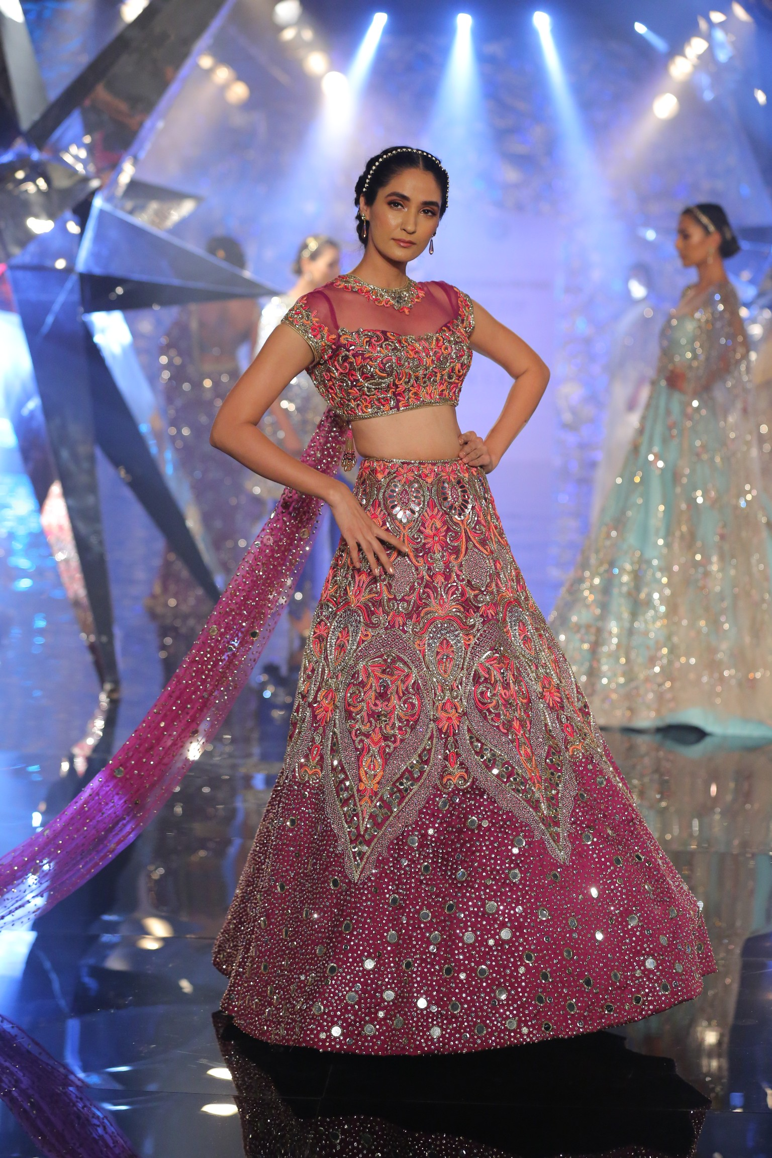 Naintara by Suneet Varma at FDCI India Couture Week 2018