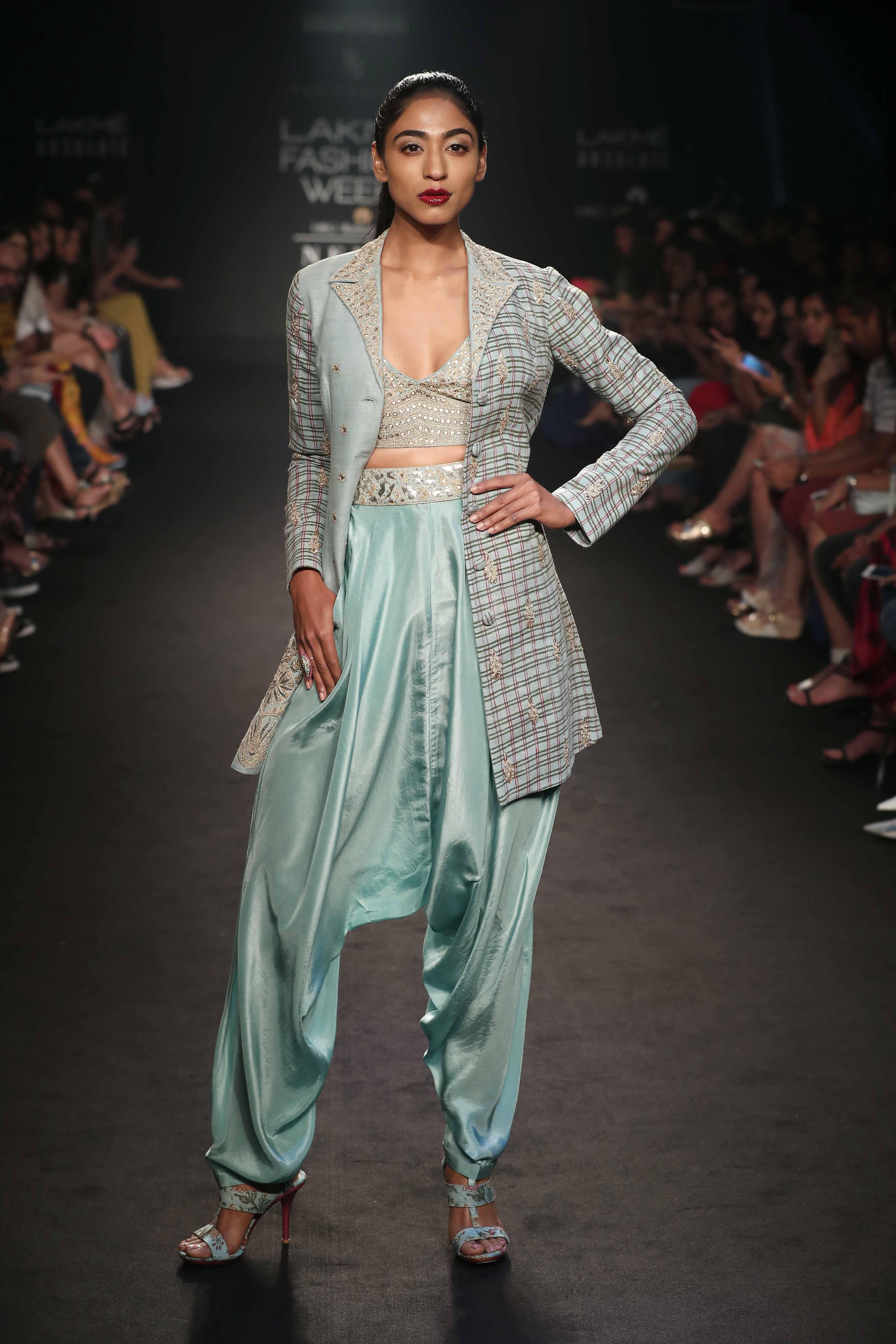 Model poses for Punit Balana - Lakme Fashion Week Winter Festive 2018