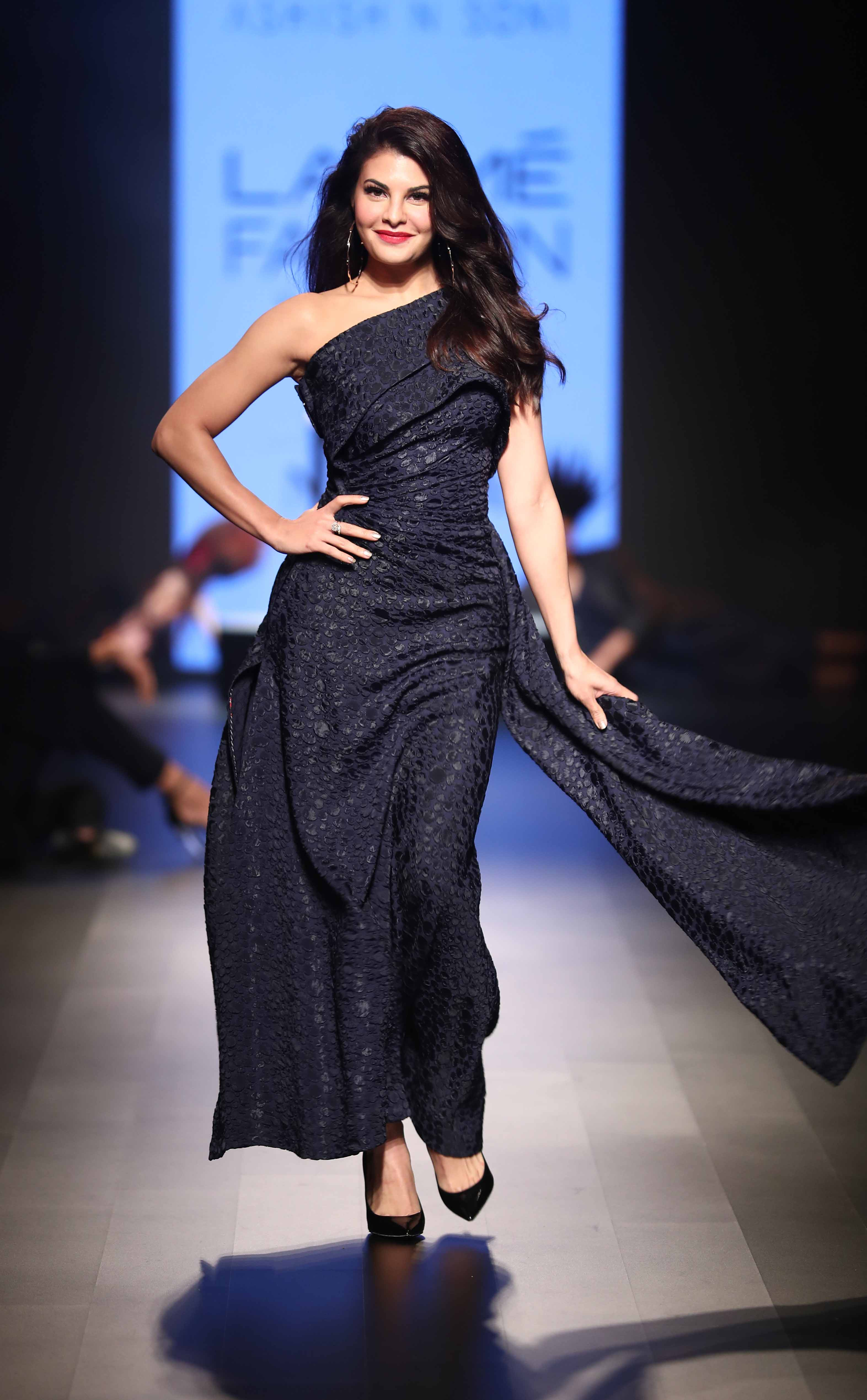 TRESemme Brand Ambassador Jacqueline Fernandez walks for Ashish Soni at Lakme Fashion Week WF18