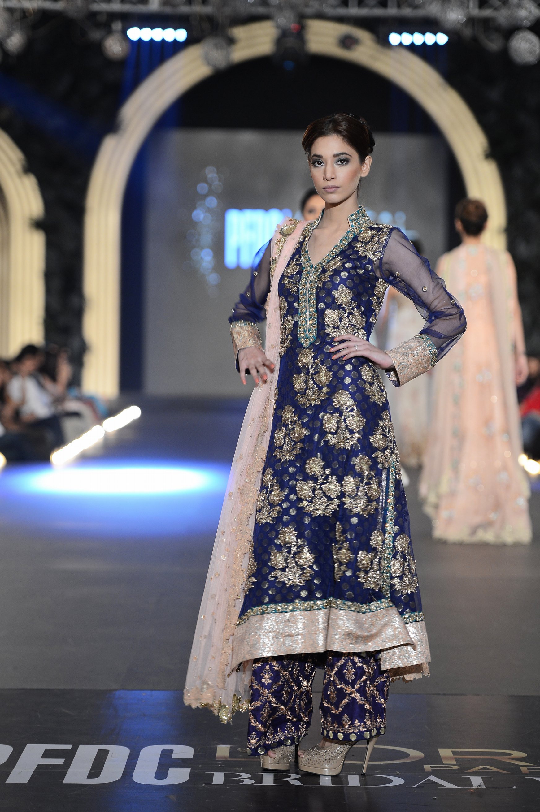 Zara Shahjahan The Pfdc L Oreal Paris Bridal Fashion Week The Fashion Orientalist