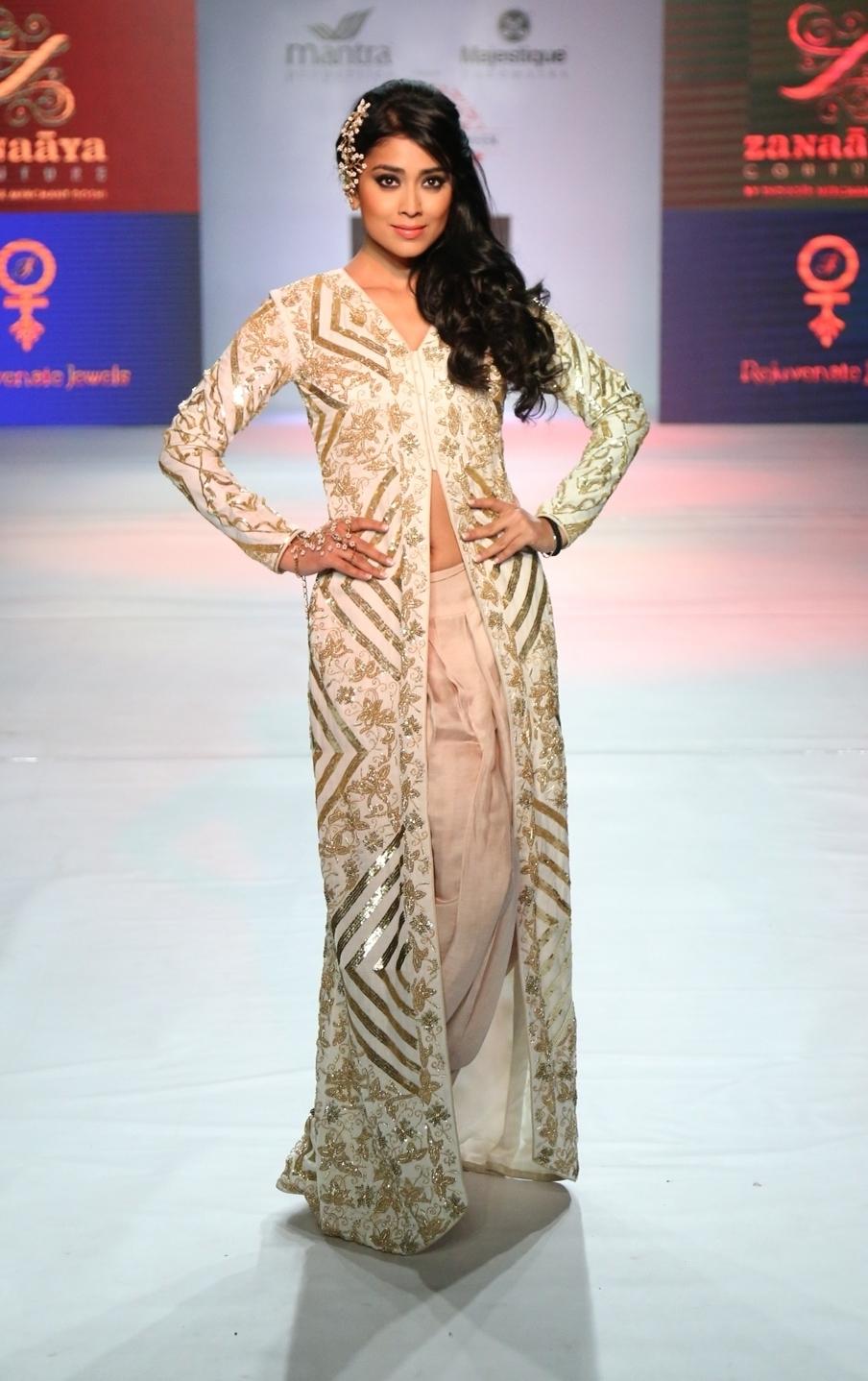 Pune Fashion Week 2014 - Shriya Saran for Shouger Merchant Doshi