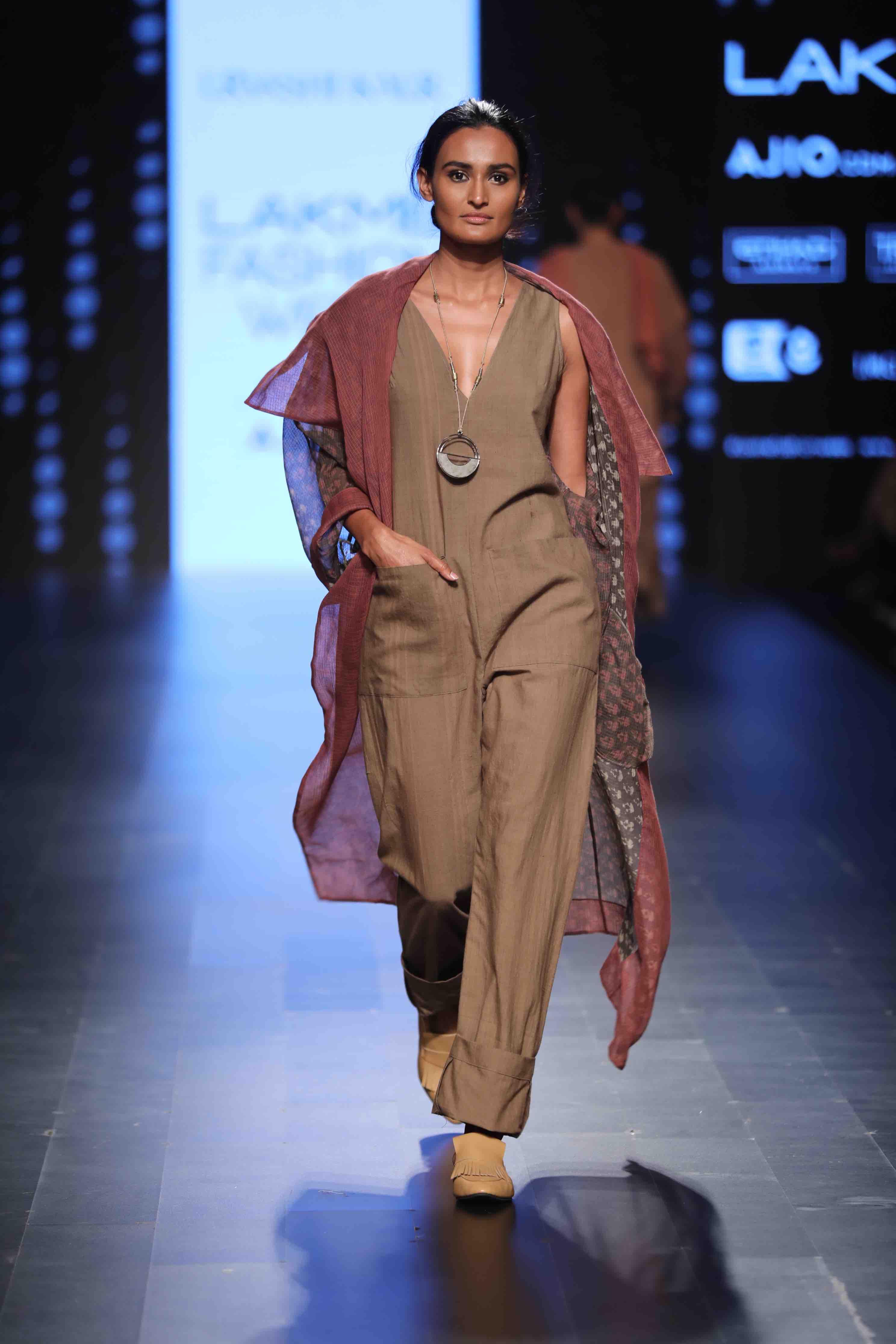 VASA by Urvashi Kaur - Lakmé Fashion Week Summer/Resort 2017